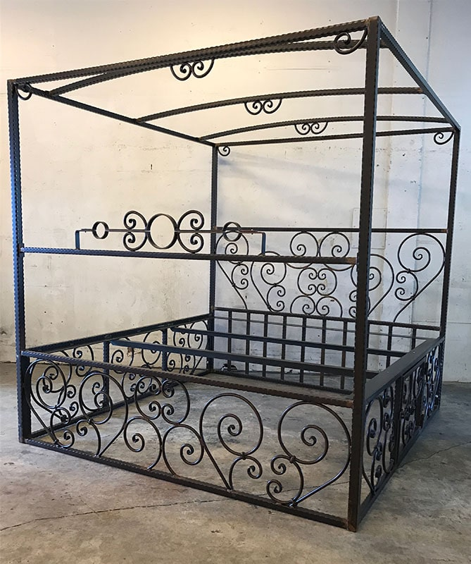 Scroll Canopy bed w/Full Scroll Cage/Removable Stockade